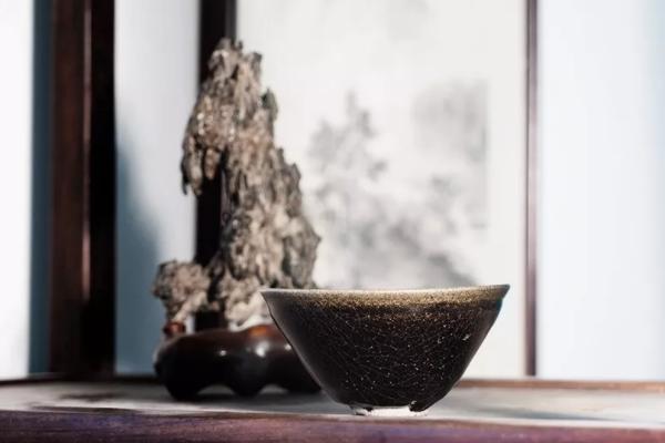 你的建盏是什么釉?原矿釉?化学釉?还是花釉?