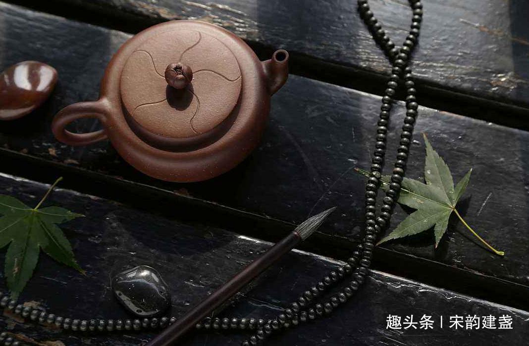 建盏茶具搭配紫砂壶如何?你们会选择这个组合品茶吗?