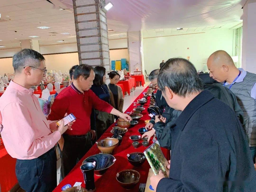 第三届陶瓷艺术创作精品展在中国闽台缘举办