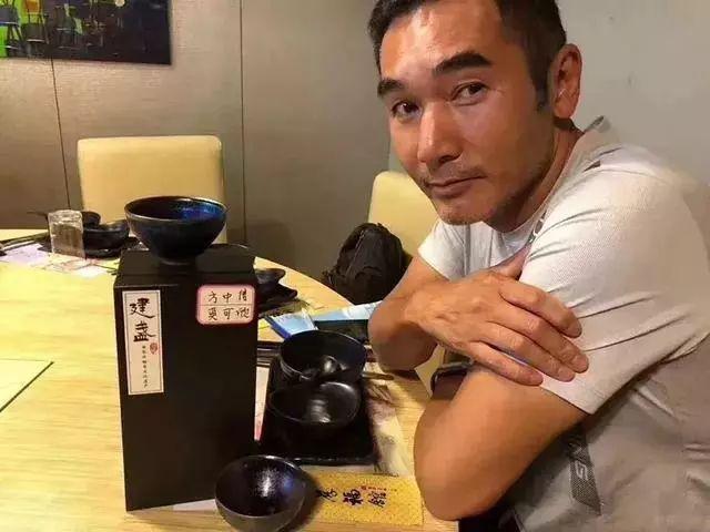 何炅郑伊健方中信都在用建盏喝茶,你还在等什么呢