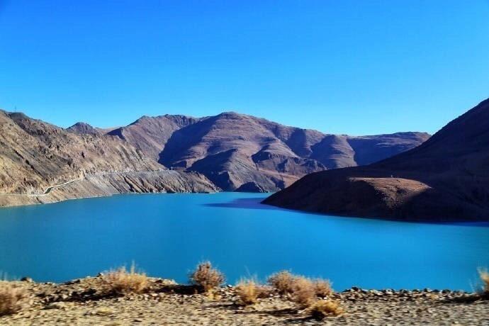 寻梦西藏 满拉水库 蓝的那么不真实 如梦一般的宝石蓝