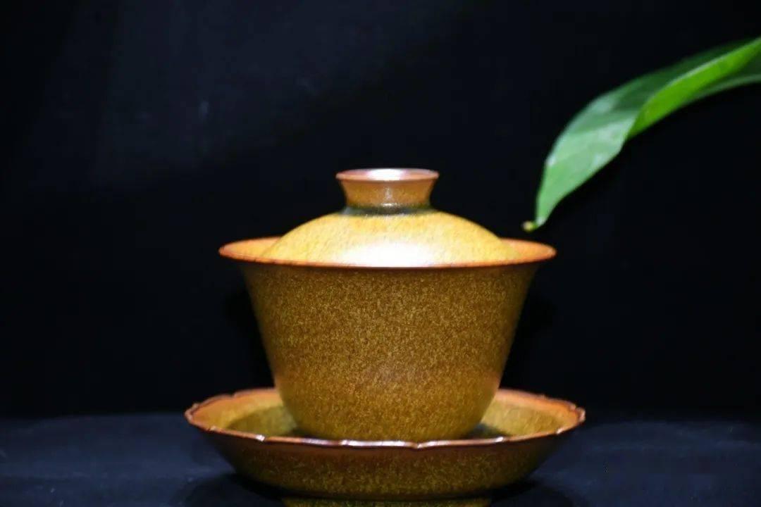 一盏茶,简单,却需要我们耐心细致的品味!