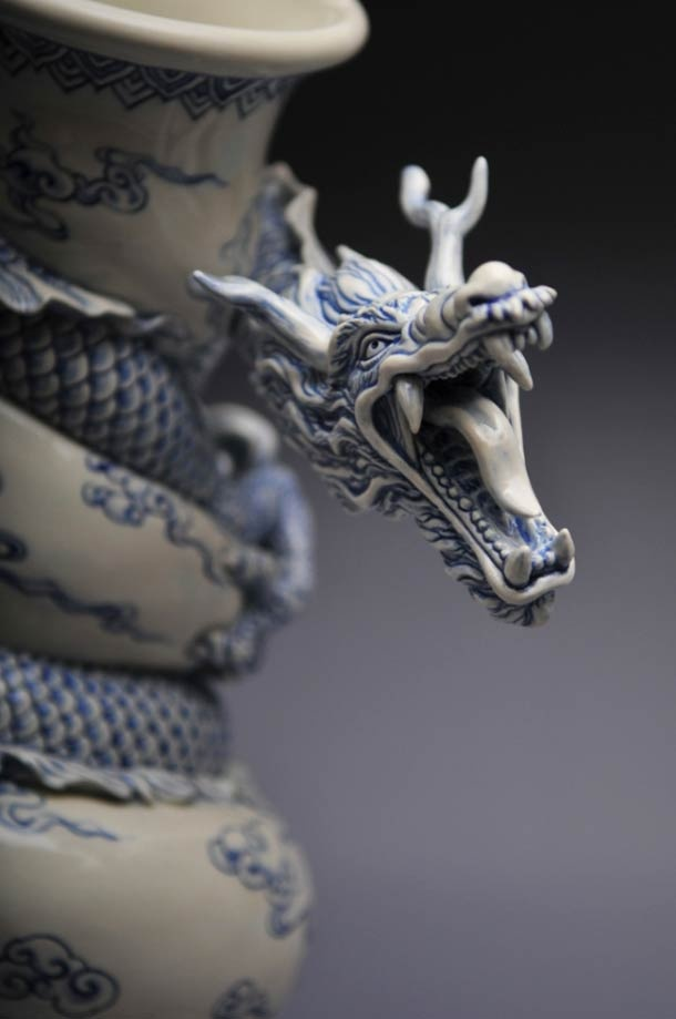 """了不起的匠人,香港雕塑家曾章成""""痛龙""""瓷器作品"""