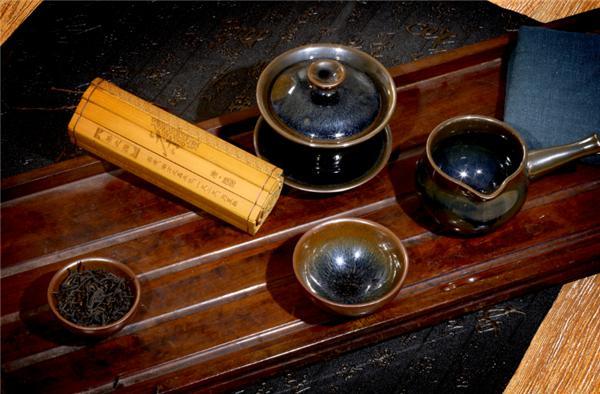 """茶桌上的""""精灵"""" 盏中盛乾坤"""