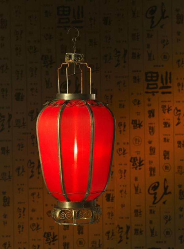 红灯亮。心暖了