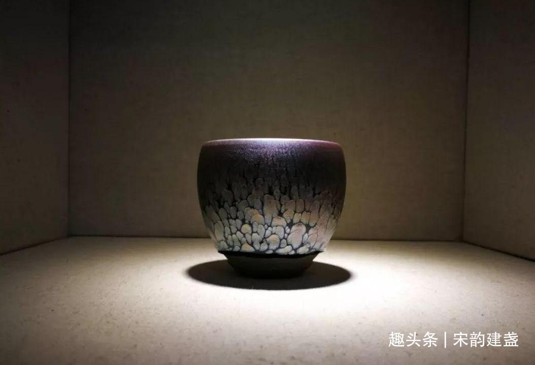 建盏只是一种茶具吗?辨别细微变化,找寻出更加深层次的美!