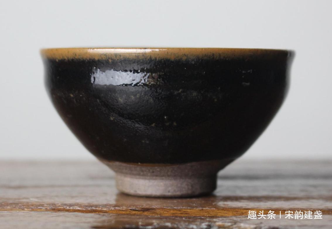 宋代建盏魅力有多大?如何看待黑瓷的历史?建盏为何那么黑?