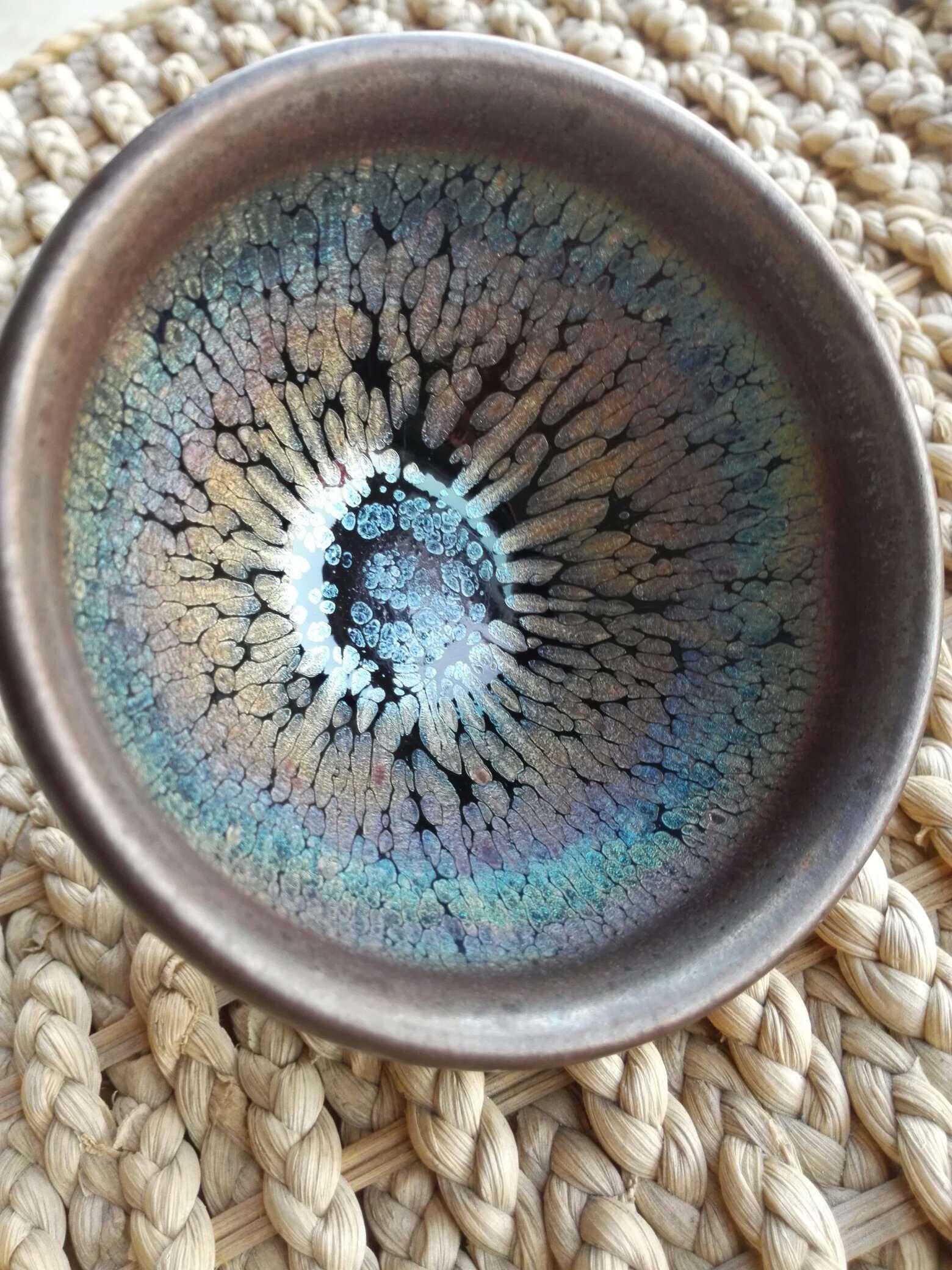 喝茶修身养性、提升心境,喝茶养出七彩斑斓的建盏