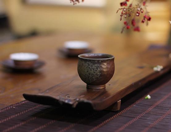 品茶 品的是韵 养盏 养的是心