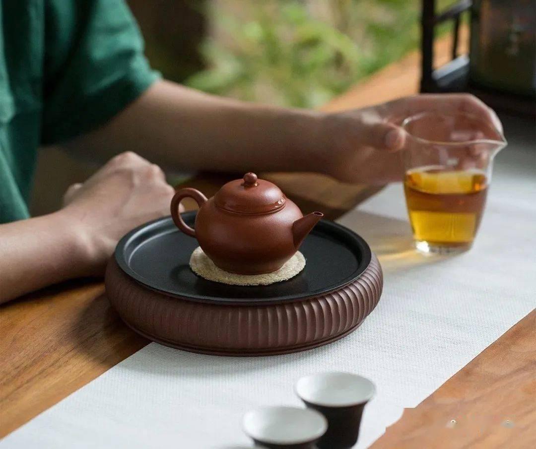一个人喝酒是孤独,一个人喝茶却是境界!