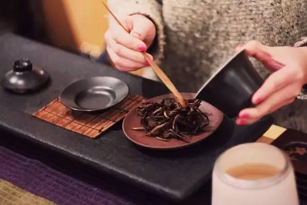 清晨一杯茶,饿死卖药人
