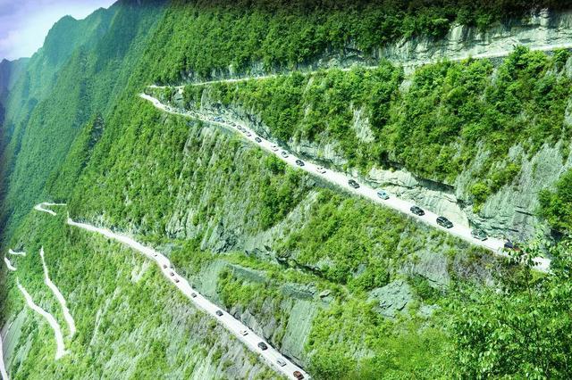 盘点国内最美最险公路,老司机们敢挑战吗?