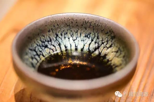 用一盏茶的时光,就从万象纷纭中走出,绽放如莲!