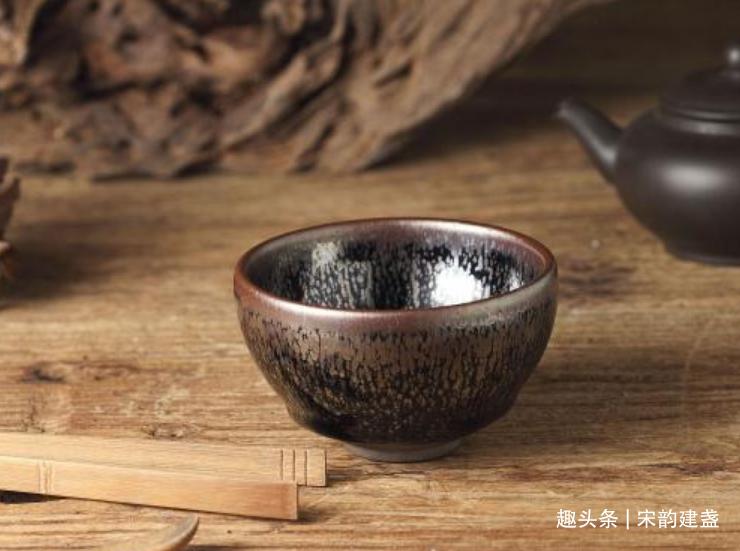建盏喝茶有何魅力?喜欢喝茶之人,需要一个真正的建盏