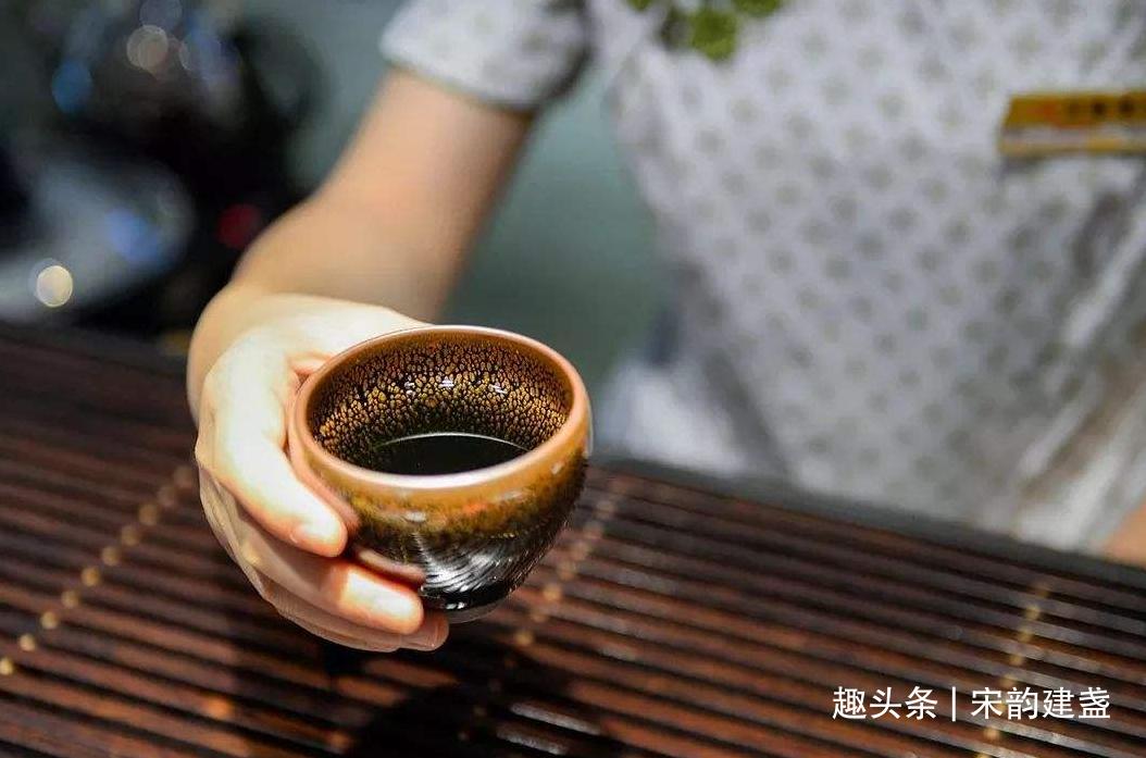 喝茶除了口感之外,还有什么好处?选茶又有哪些误区需注意?