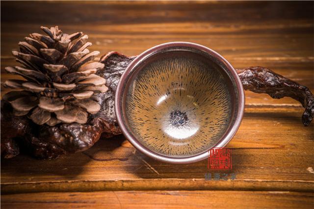 """""""盏""""翅高飞  用建盏斟一杯茶"""