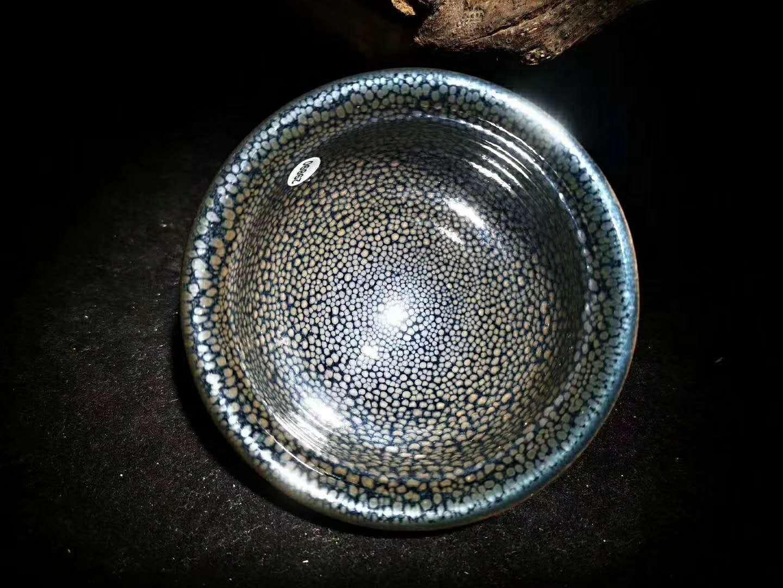 建盏油滴花纹烧制的影响和保温时间有关系