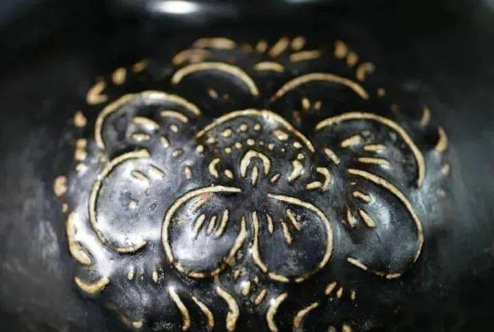 宇宙是黑色的 ,于是有了黑釉瓷!