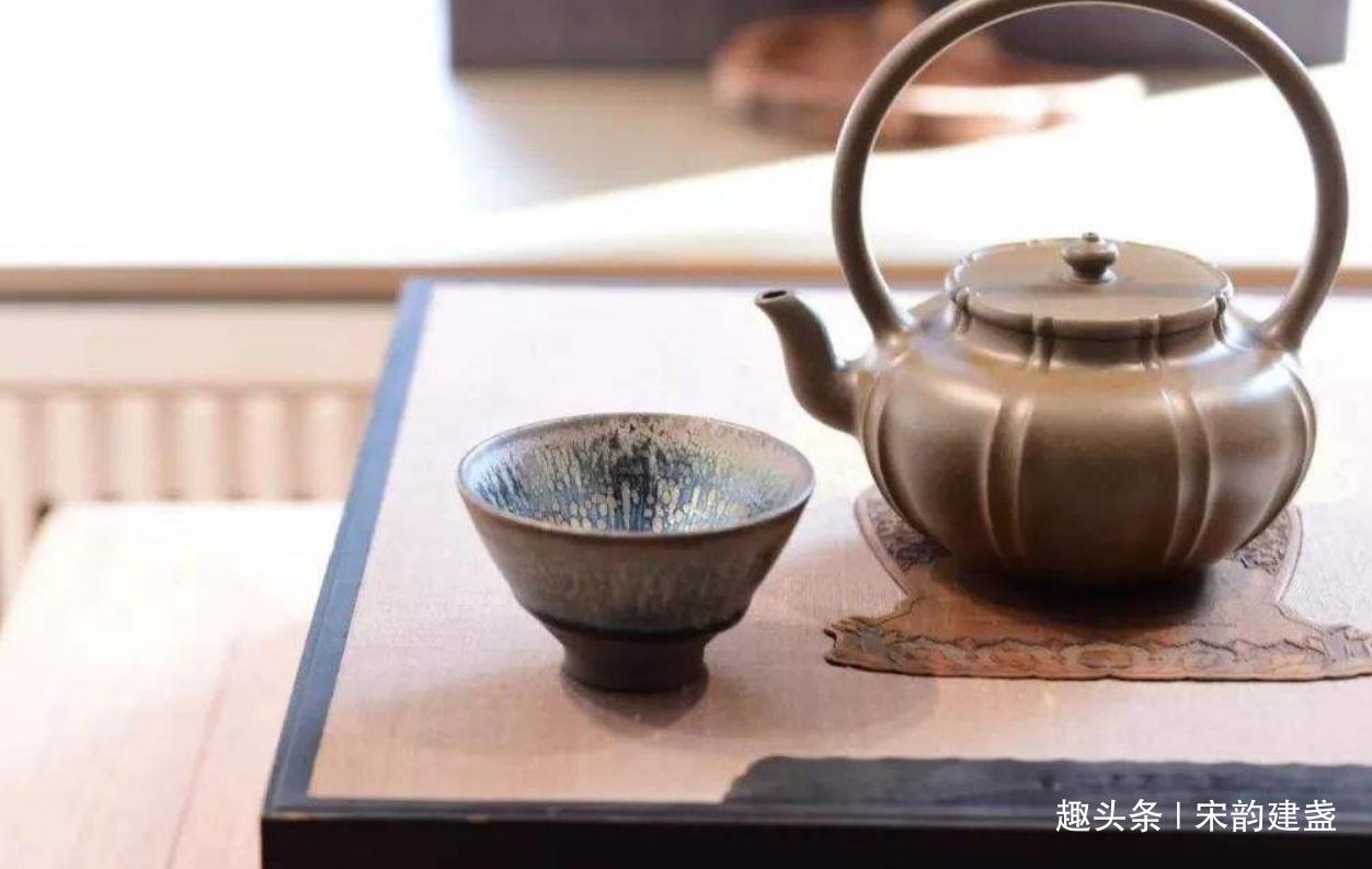 建盏是什么?如何了解建盏?大家为何都喜欢用建盏喝茶?