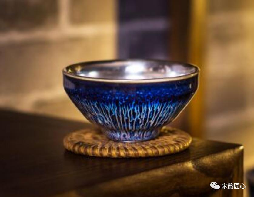 建盏有哪些釉色,是如何形成的?怎样才能挑选出适合自己的釉色?