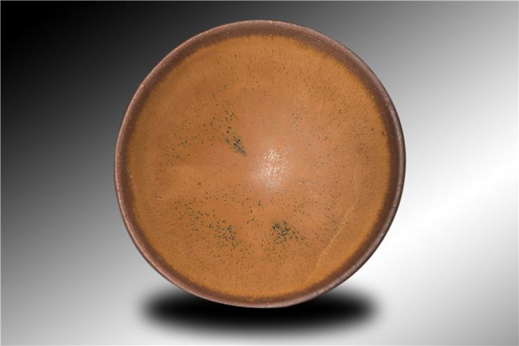 柿红釉敛口盏 色泽均匀细润釉层较薄胎底
