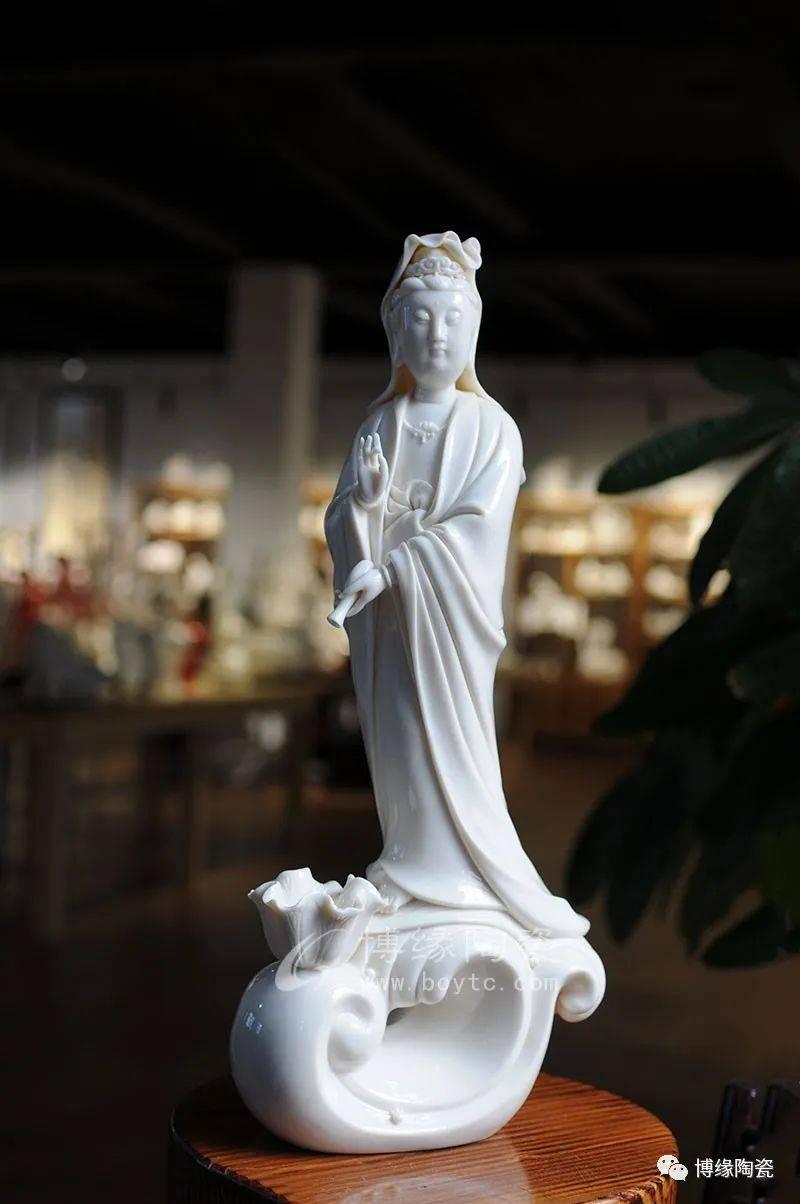 名家名瓷:中国工艺美术大师陈明良《滴水观音》赏析