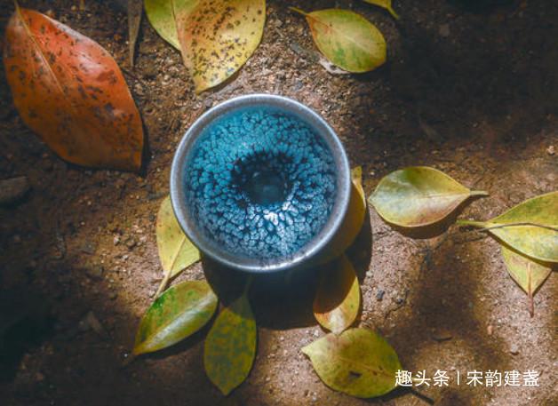 建盏是什么?宋代斗茶法又是什么?宋人为何喜欢用建盏斗茶?