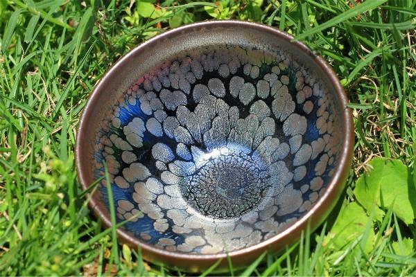 沉下心去欣赏建盏的美,随着时光、岁月、蕴含着古人智慧的建盏釉色
