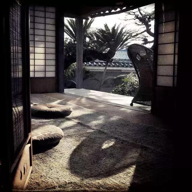 日本物哀美学~~幽玄 脱俗 缺陷 素简 枯槁 自然 静寂