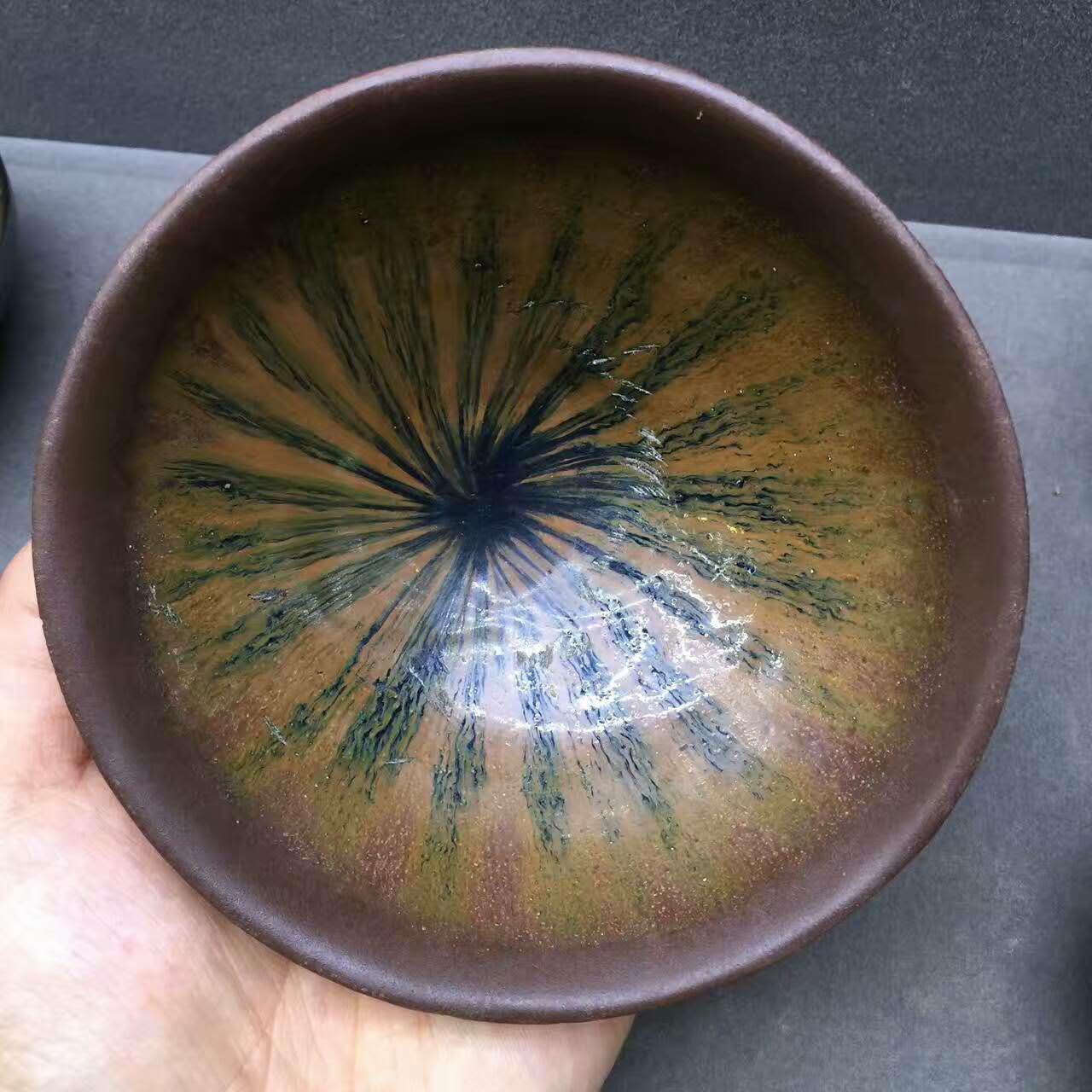 宋代建窑西瓜花束口盏,釉色特别,宛如西瓜的斑纹