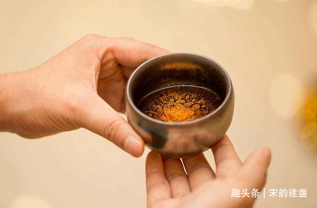 建盏喝茶到底有什么好处?越来越多的朋友为何爱上建盏?