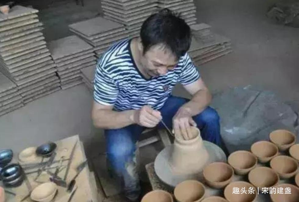 建盏匠人裴春元获得过哪些荣誉?他是如何走上建盏之路的?