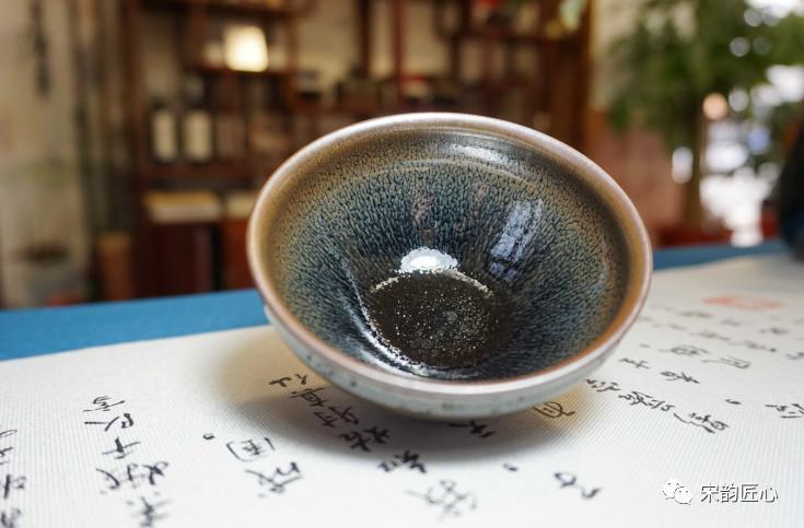 建盏喝茶安全吗?几十块钱的建盏有毒吗?宋韵建盏为你解析