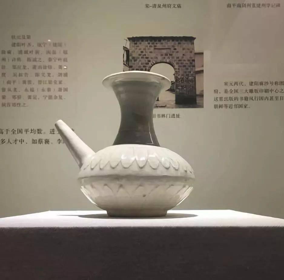 白瓷   一抹中国色