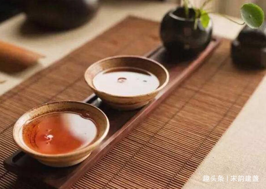 建盏喝茶的好处有什么?如何看待建盏之美,建盏到底美在哪里?