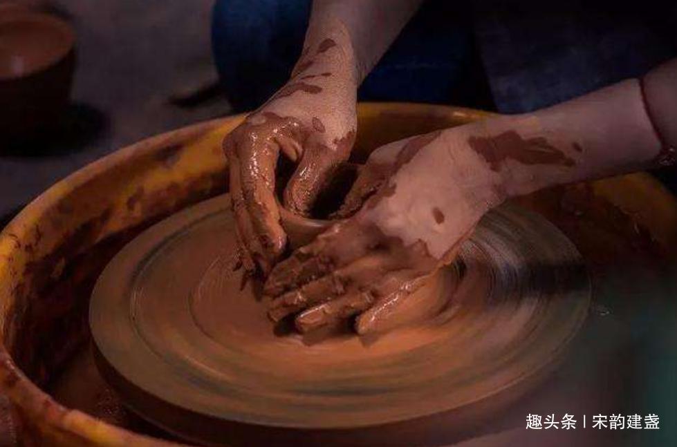 论建盏柴烧的制作:建窑建盏如何做到,入窑一色,出窑万彩?